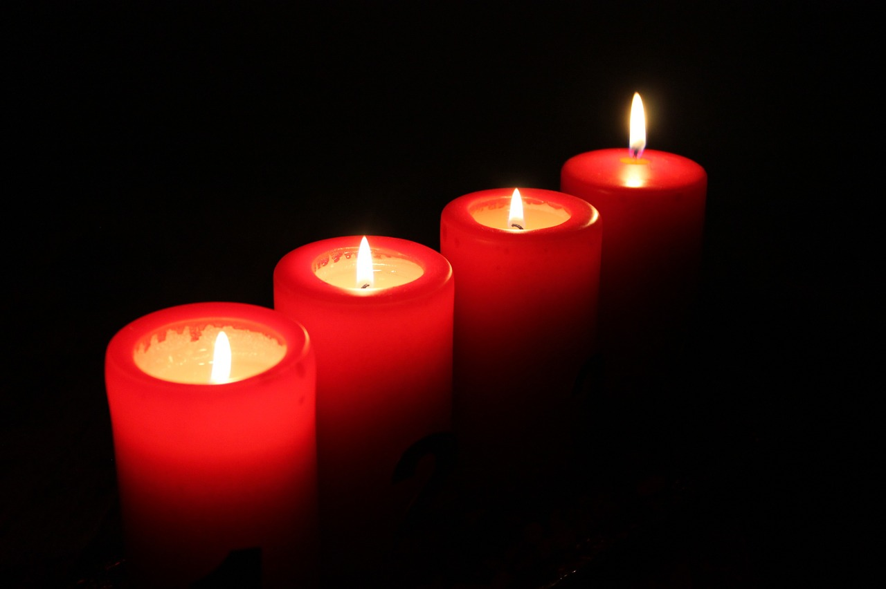 candles-621179_1280